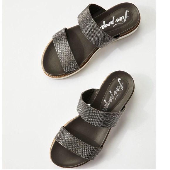 28175c46fd9 NEW Free People Harper dark silver platform slides
